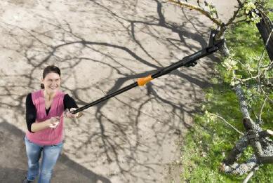 Fiskars Easy Reach Pruning Wand