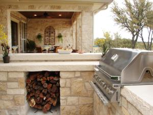 outdoor-kitchen-materials