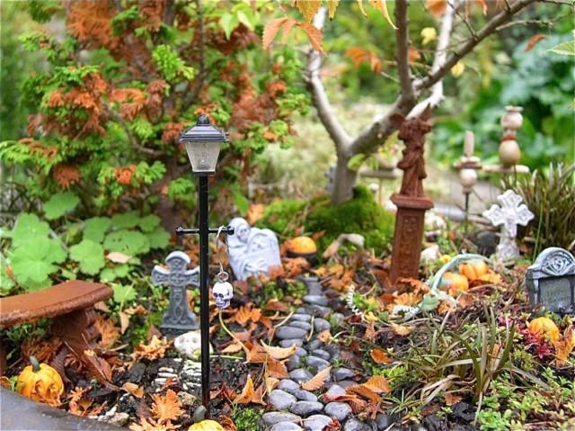 halloween-garden