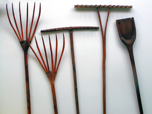 Having the right garden tools will go a long way towards helping you to grow a better garden