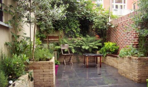 5 Tricks to Make Your Backyard Look Bigger