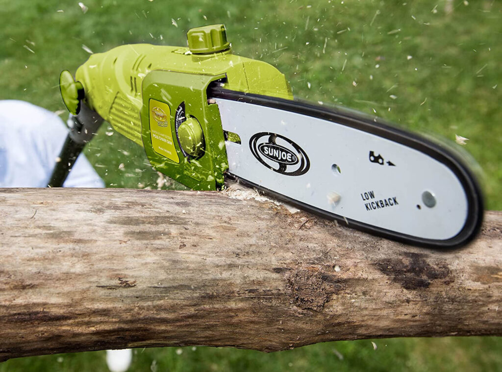 Electric Pole Saw Buying Guide & Safety Tips