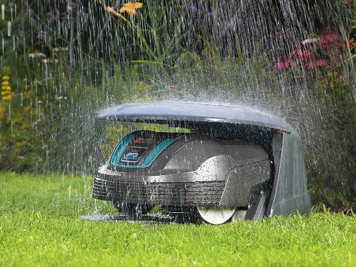 Robotic lawn mower with weather sensor