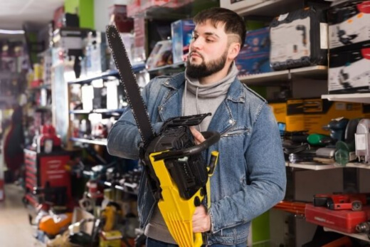 Features to Consider When Buying a Chainsaw