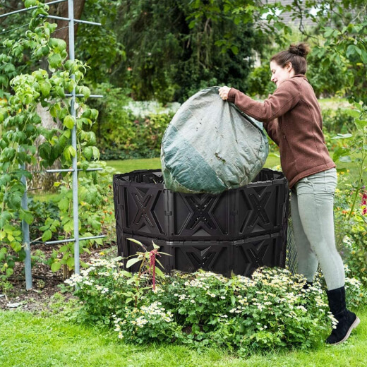 Benefits of a Compost Bin